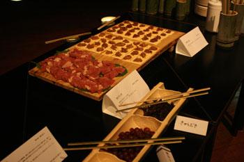 「猪の干し肉」 「鹿の缶詰2種(味噌味・カレー味)」